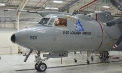中国已有能力造类似E-2C舰载预警机  但有几个坎